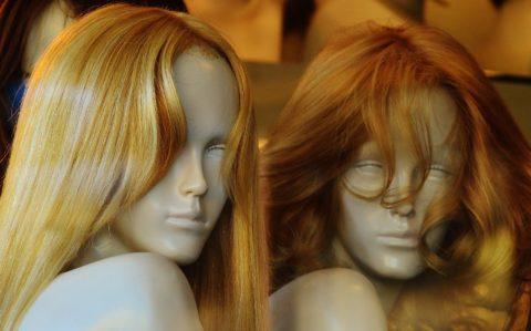 תוספות שיער בהדבקה
